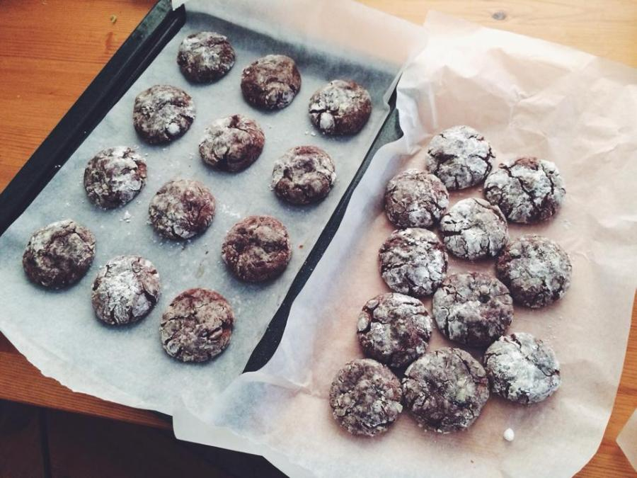 chocolate crackle cookie